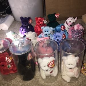 Lot of 17 Beanie Baby Bears and 1 Valentine's Dog
